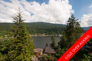 Incredible bright & sunny water view home in Deep Cove